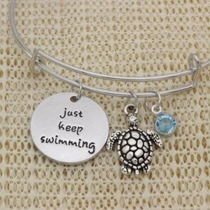 Jewelry - 🌼 Silver Just Keep Swimming Turtle Charm Bracelet